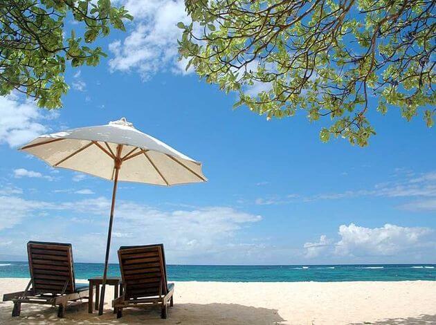 most popular tourist attraction of bali - Nusa Dua Beach