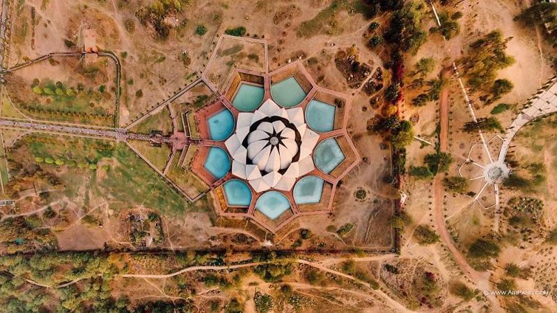Lotus Temple-New Delhi-India