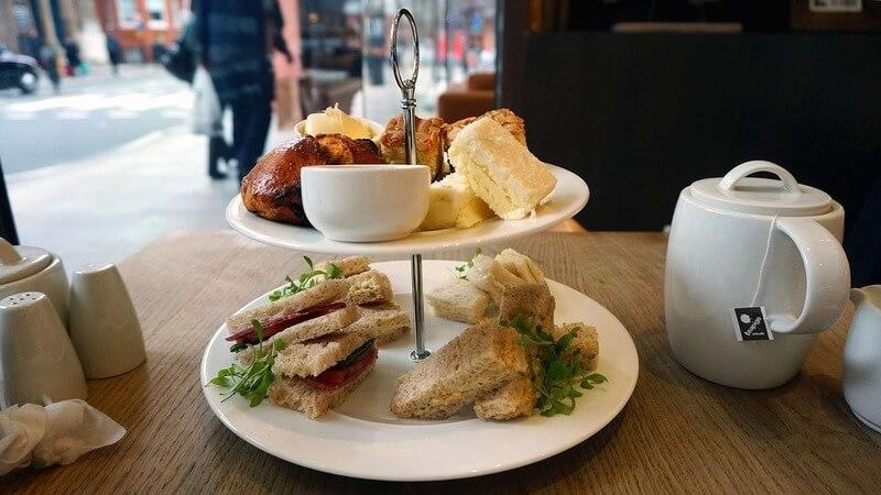 cheap places to eat in london