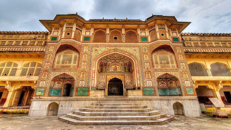 Amer Fort - must visit place in Jaipur