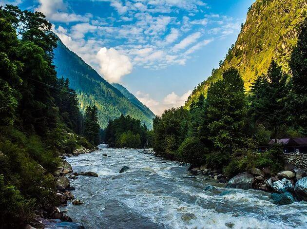 Kasol - for a cheap vacation in India