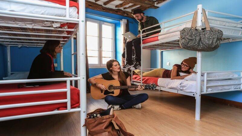 Le Village Hostel Montmartre - cheap places to stay in Paris