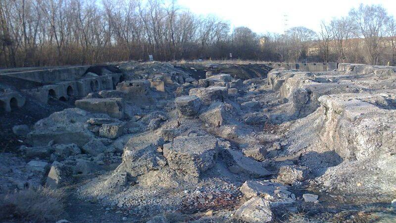 Joliet Iron Works Historic trail