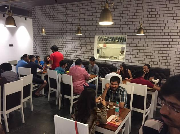 Dice n Dine Café - eat and play