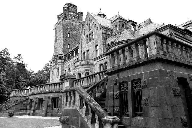 Dracula's Castle - spooky halloween getaway