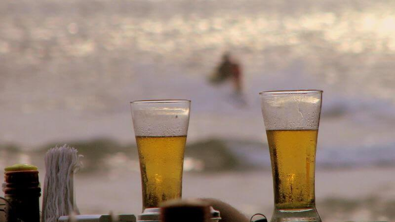 beaches in Florida that allow alcohol consumption