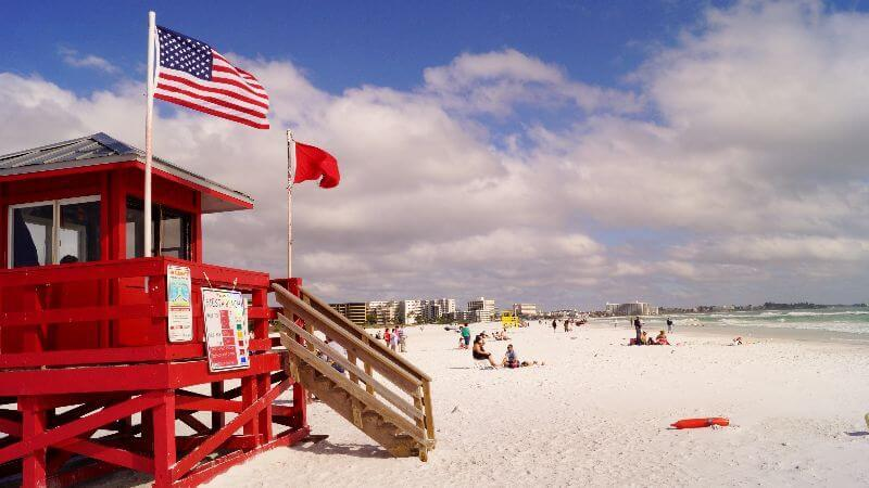 Siesta Beach - permits drinking alcohol on the beach