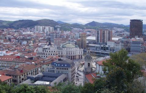 How to get in and get around Bilbao
