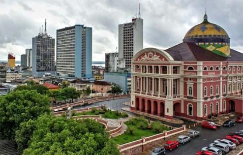 How to get in and get around Manaus