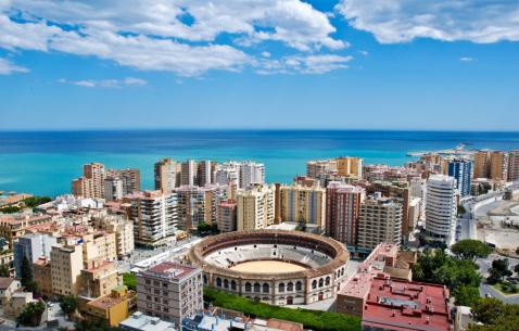 How to get in and get around Malaga