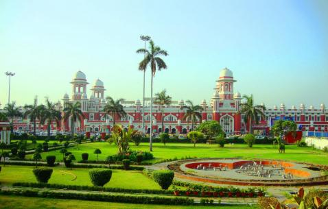 Travel to Lucknow