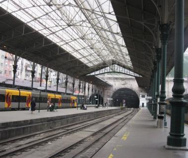 Rail Station Sao Bento Tours