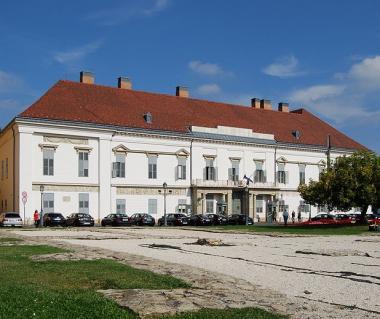 Sandor Palace Tours