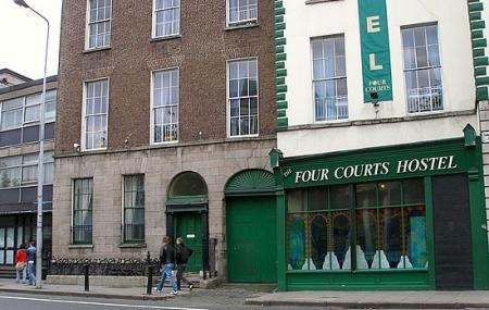 Four Courts Hostel Image