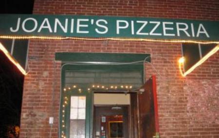 Joanies Pizzeria Image
