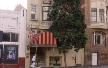 Petite Auberge Hotel Image