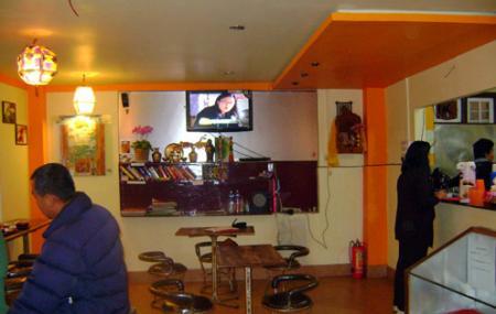 Cafe Culture Image