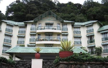 Club Mahindra Lake View Hotel Image