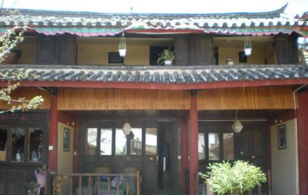 Nomad Guesthouse Image