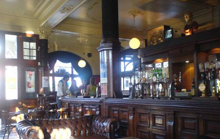 Downes Bar Image