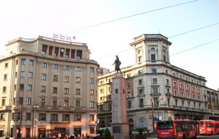 Plaza Cicular Image
