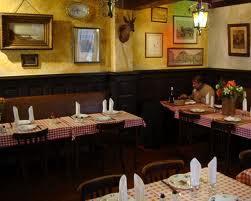 Montmartre Restaurant Image