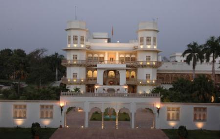 Usha Kiran Palace Hotel Image