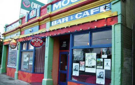 Mojos Music Pub Image