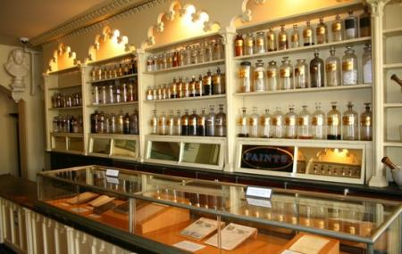 Stabler-leadbeater Apothecary Image