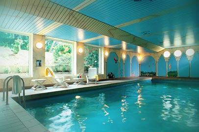 Hotel Azenburg Image