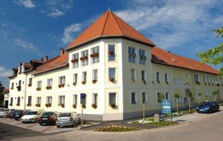 Hotel Korona Image
