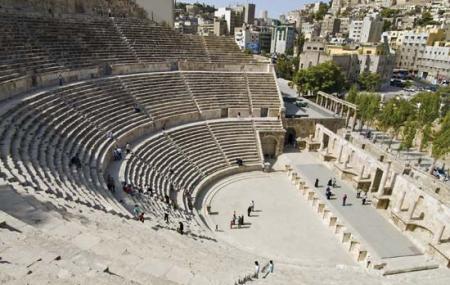 Roman Amphitheater Image