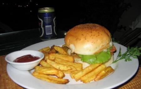 Rhea Tjs Burger House Image