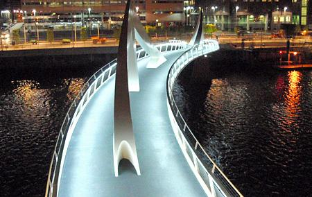 Tradeston Pedestrian Bridge Image