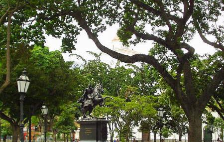 La Plaza Bolivar Image