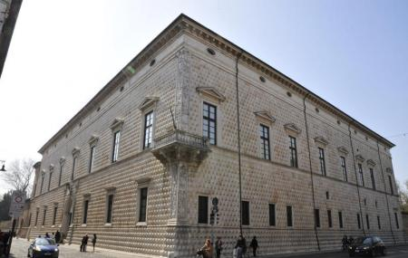 Palazzo Dei Diamanti Image