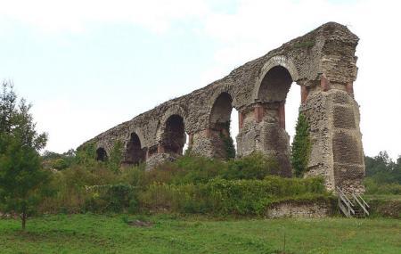Roman Aqueduct Image