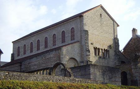Saint  Pieree Aux Nonnains Image