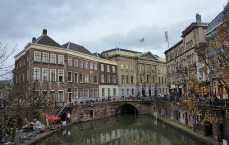 Utrecht City Hall Image
