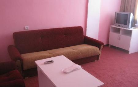 Anoush Hotel Image