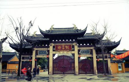 Longhua Temple Image