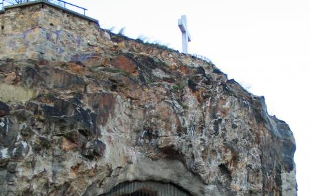 Cave Church Image