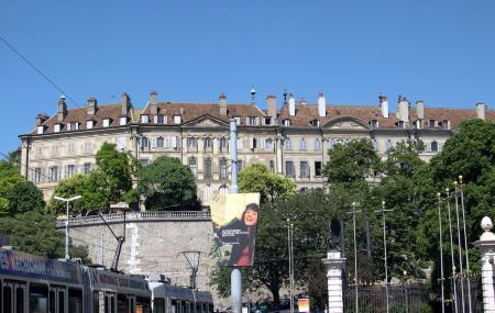 Place De Neuve Image