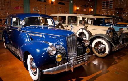 Antique Car Museum Image