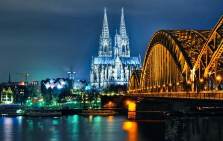 Hohenzollern Bridge Image