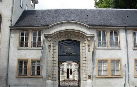 Museum Of Textiles And Decorative Arts Or Musee Des Tissus Et Des Arts Decoratifs Image