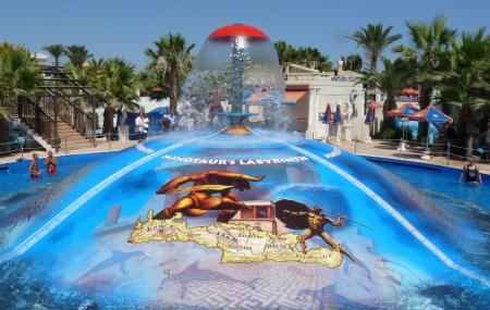 Water World Waterpark Image