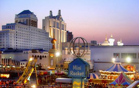 Steel Pier Amusement Park Image