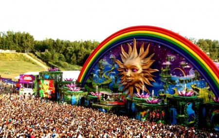 Tomorrowland, Boom