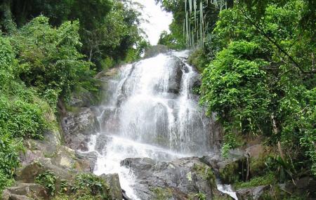 Na Muang Waterfalls Image